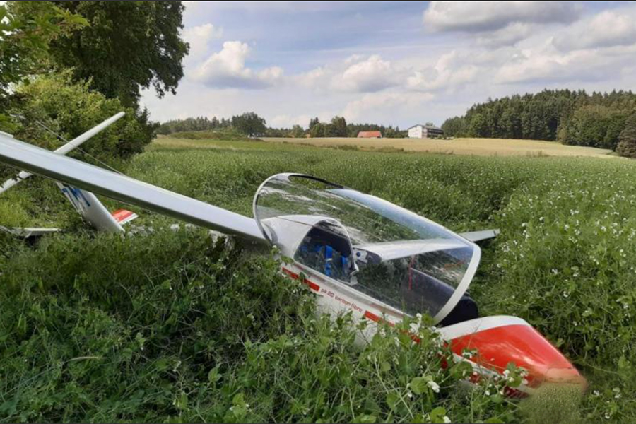 Notlandung-Flugzeug-Eppenreuth.jpg